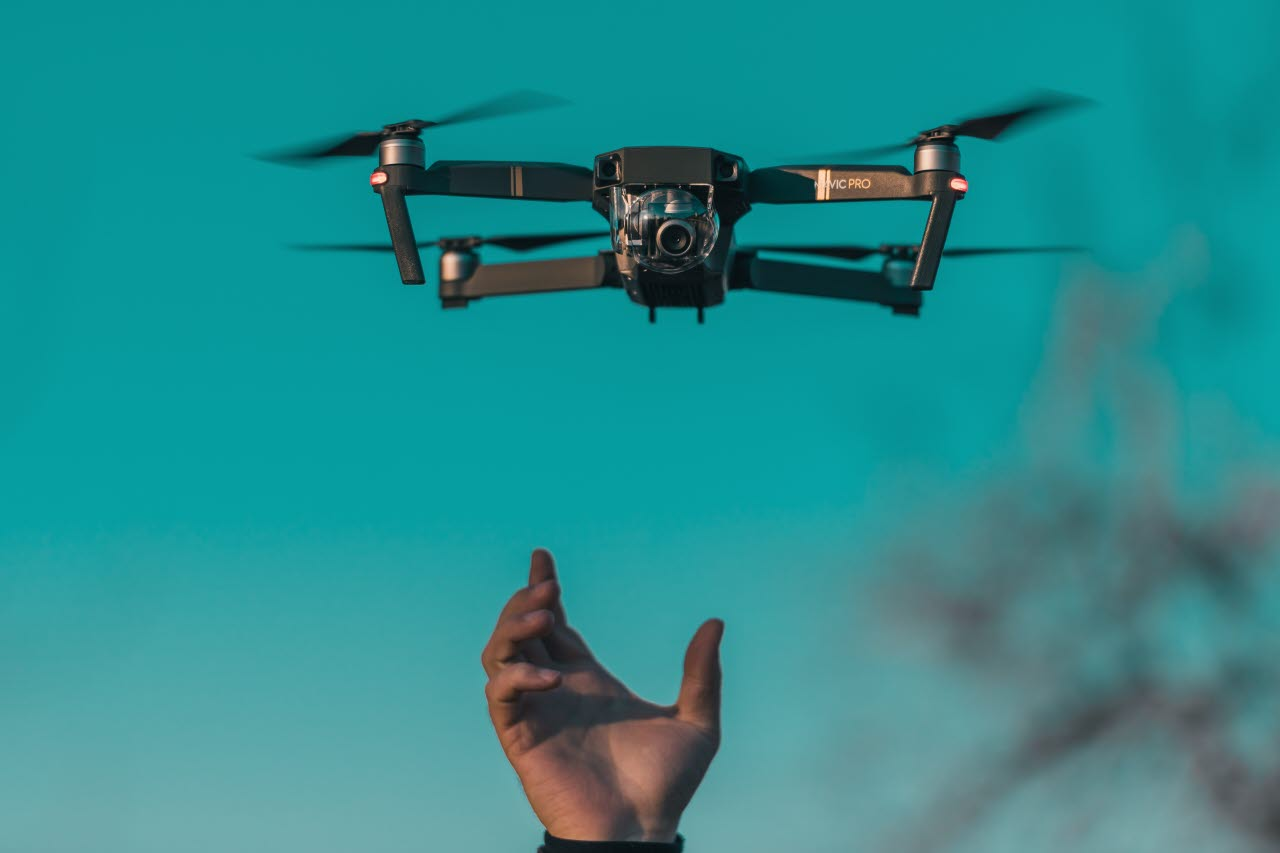 Drone-flying-technology-unsplash