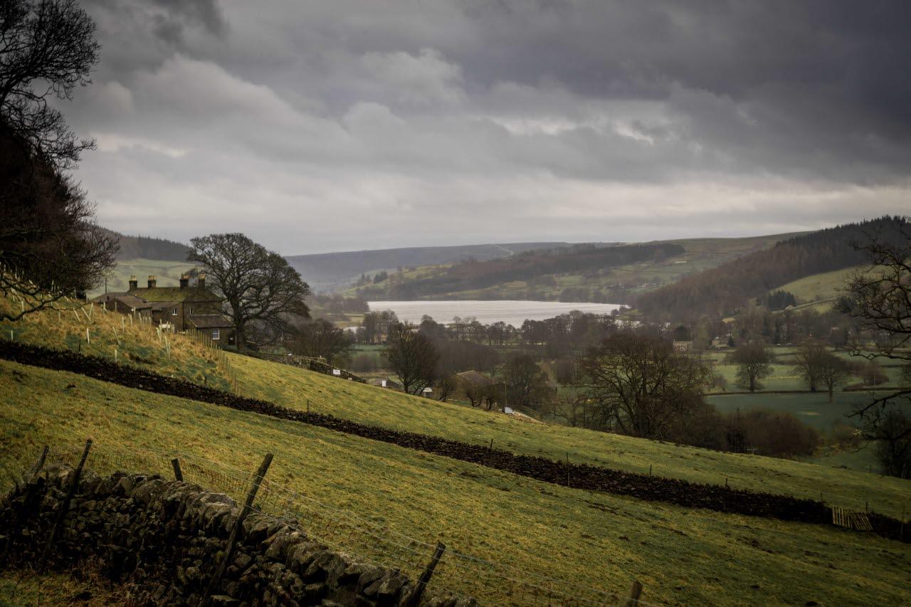 uk-hill-countryside-rural-unsplash