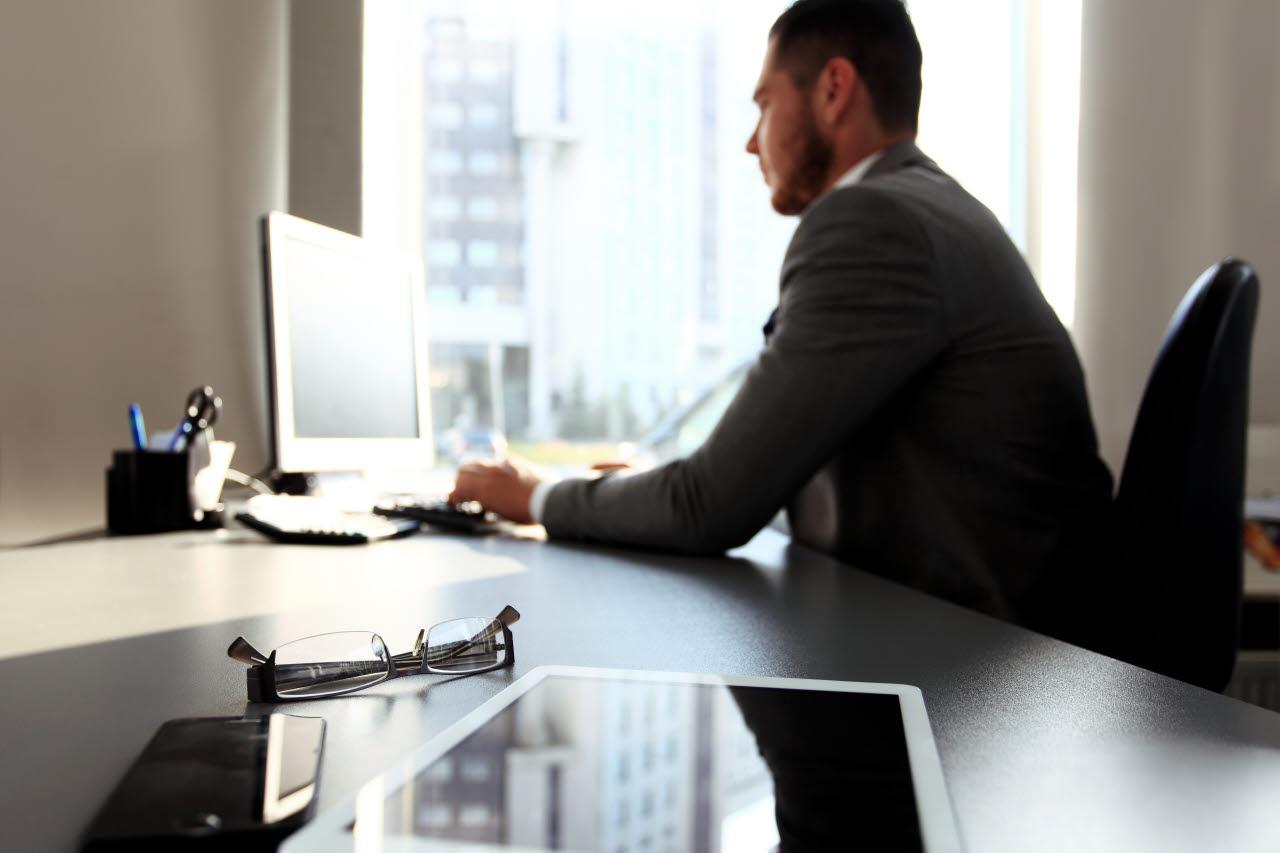 solo male, laptop, office, RICS, SB, 070218