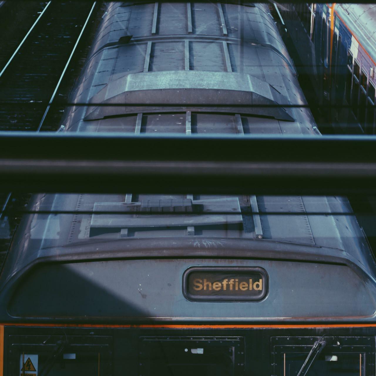trains up north-unsplash