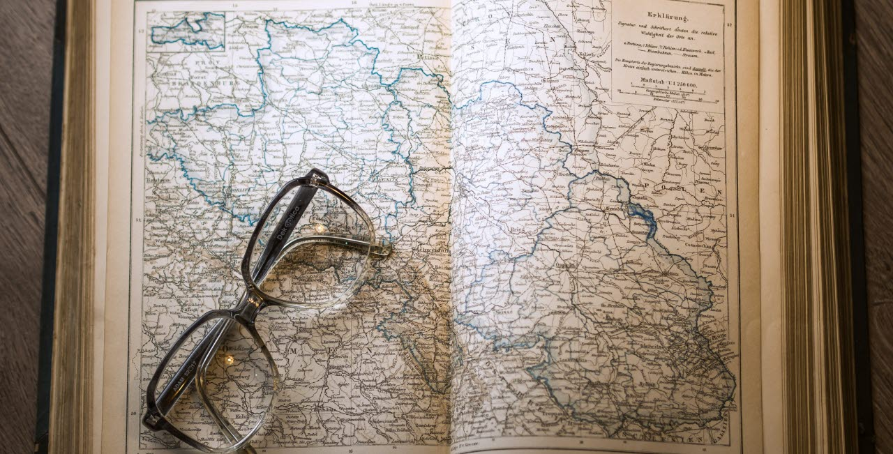 map, glasses, pexels, 020518, mb
