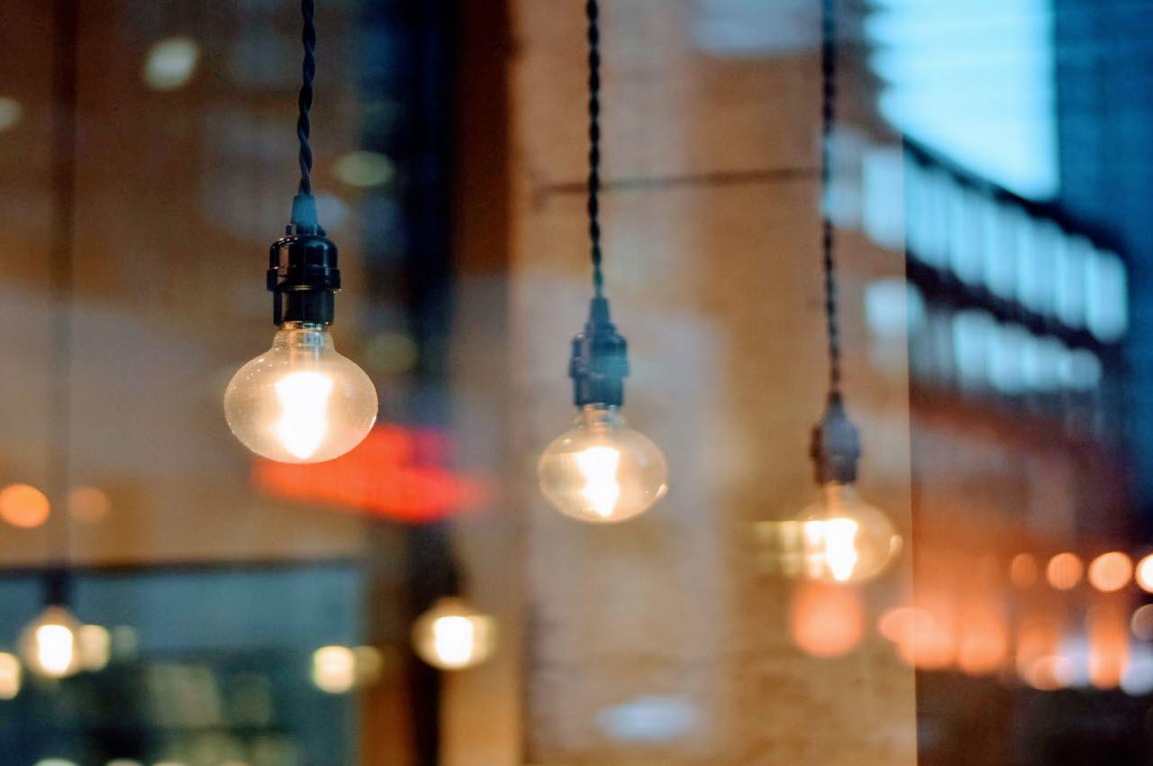 lightbulbs, pexels, 200318, mb