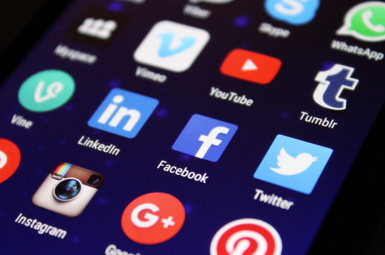 social media, apps, facebook, instagram, twitter, SB, RICS, 240118