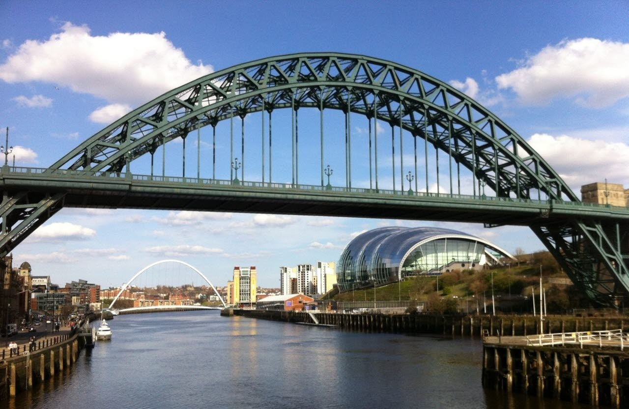newcastle-bridge-sage-river-pxhere