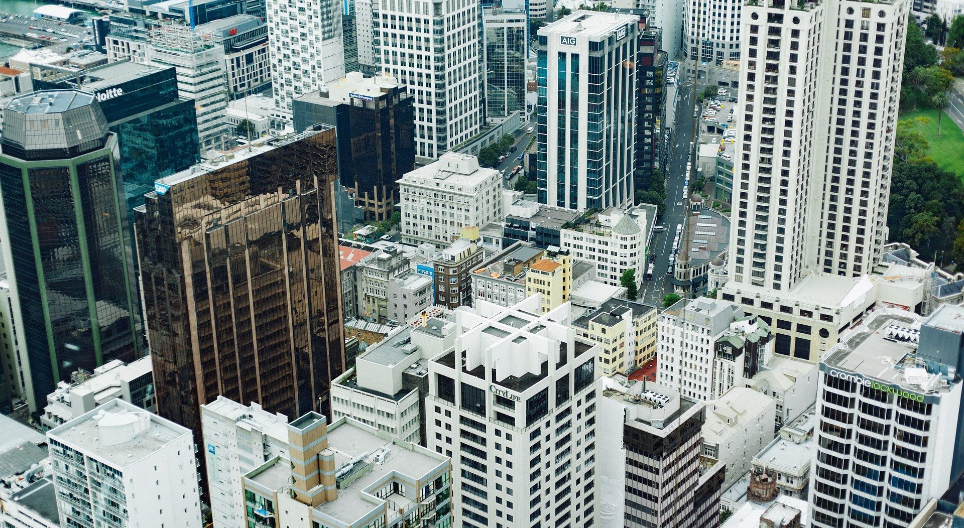 The Planet of Cities: Business districts as usual?
