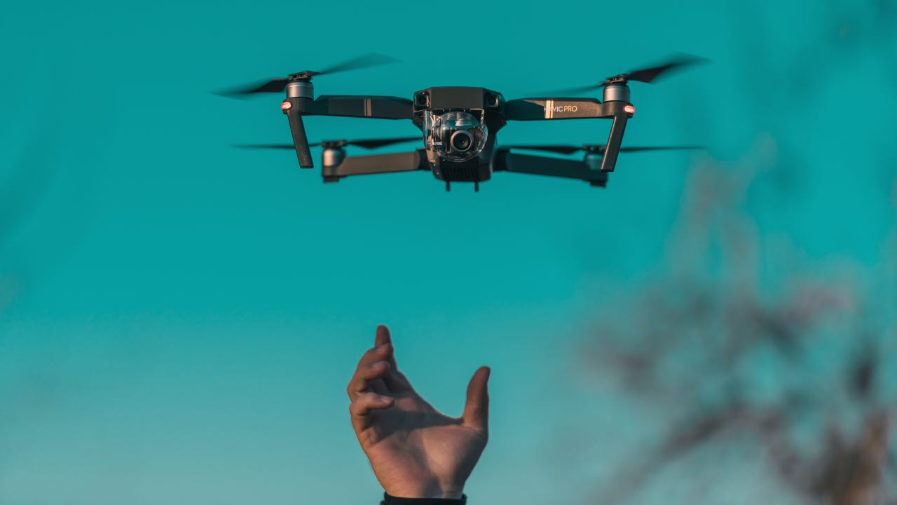 Drone-flying-technology-unsplash