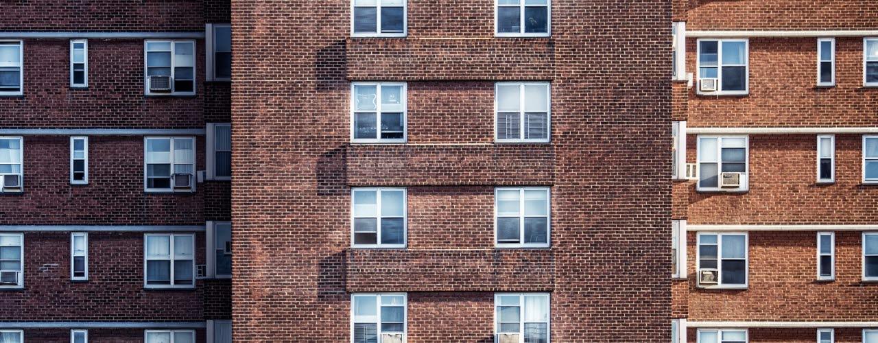 building-condo-pexels-080818-mb
