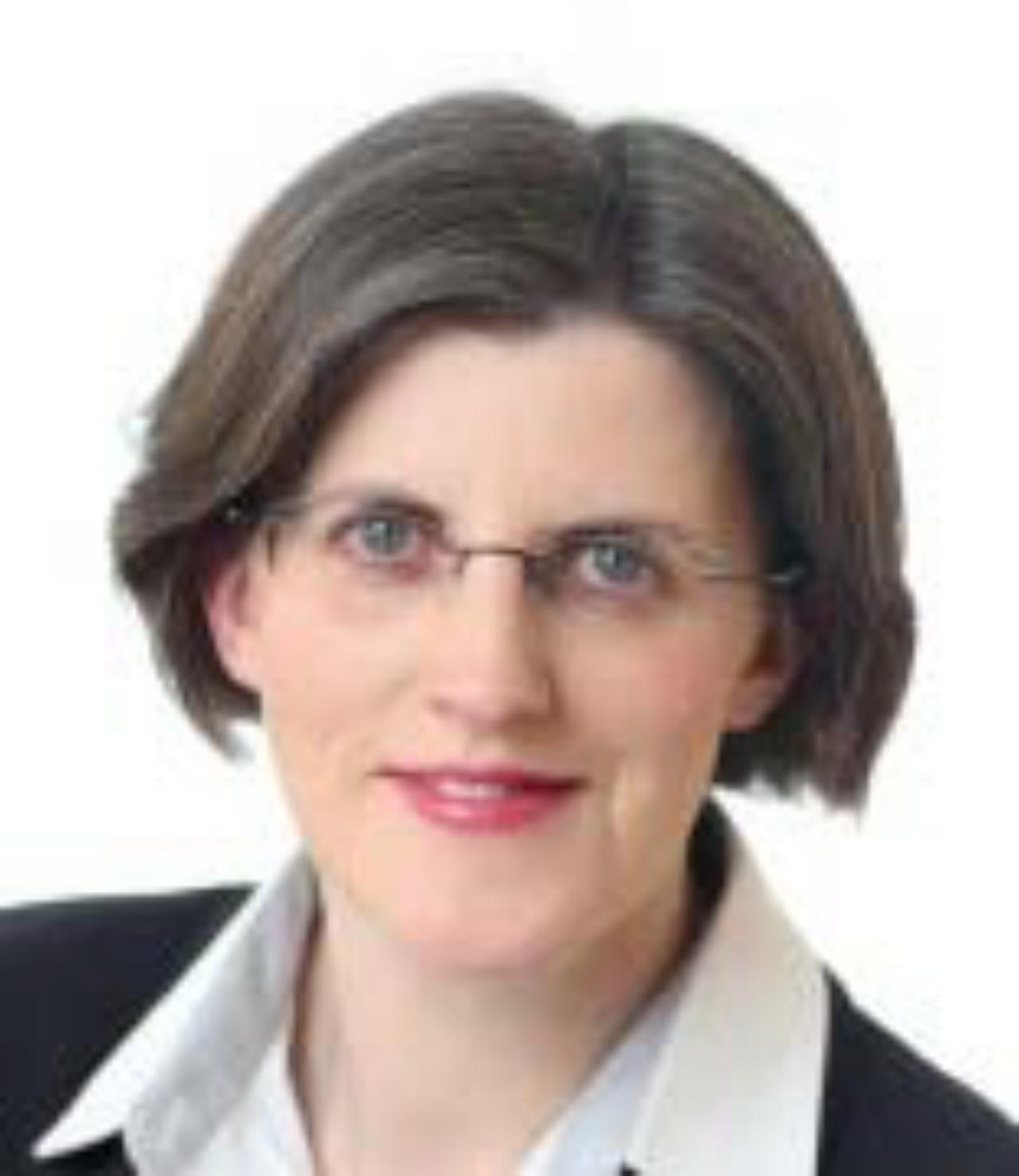 Isobel O'Regan headshot