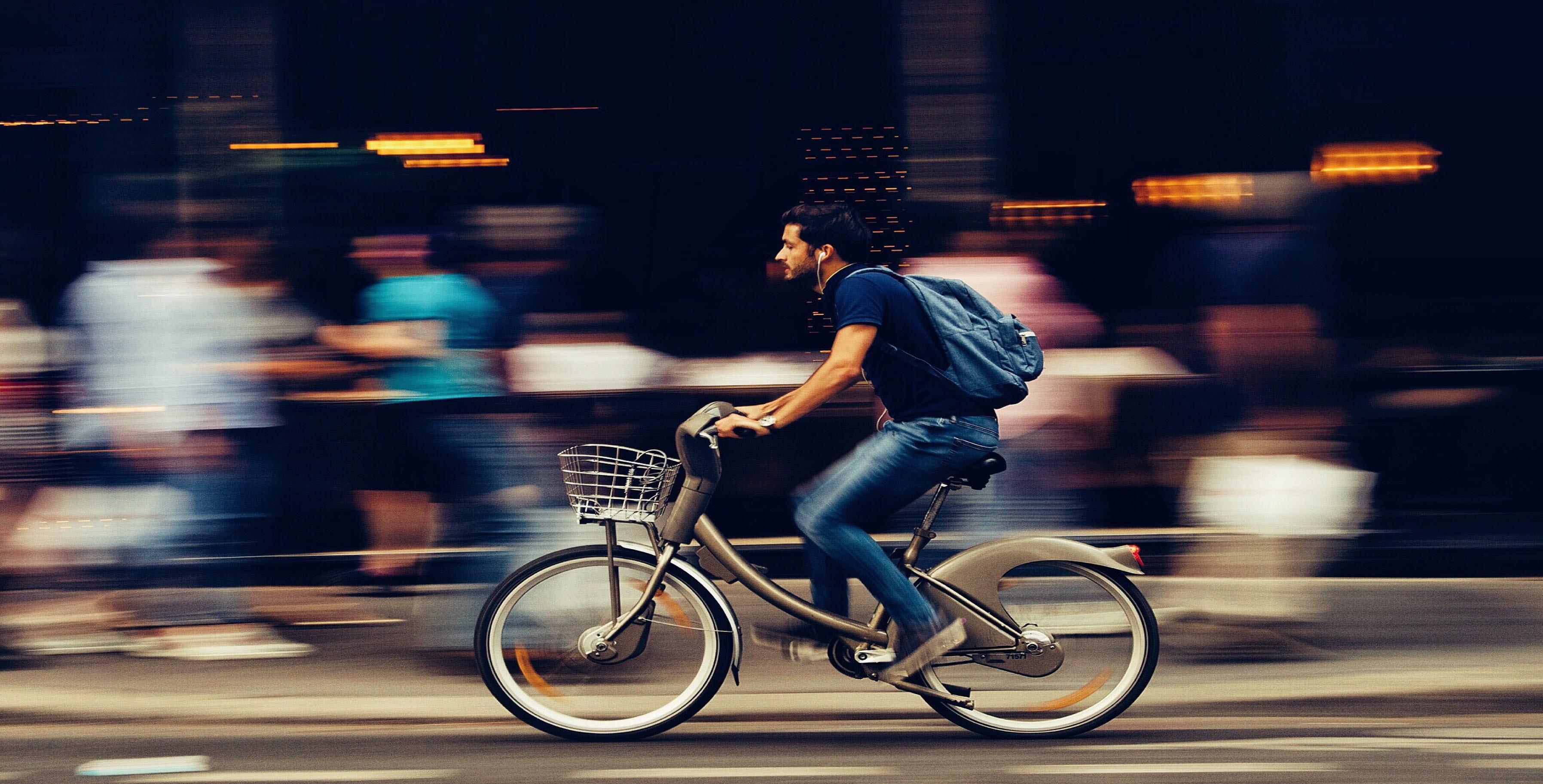 cyclist, commute, pexels, 140318, mb