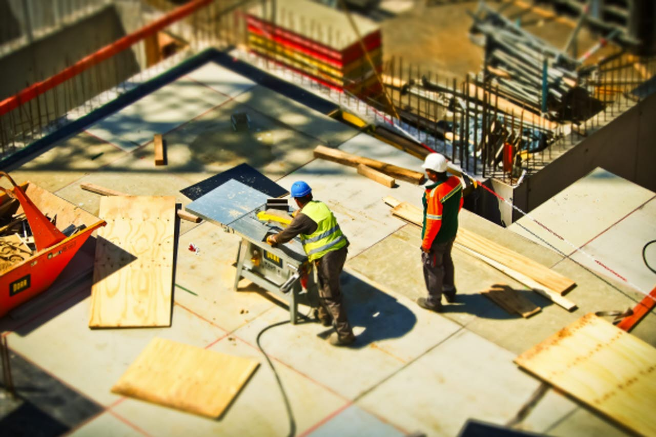 construction-site-build-construction-workers-pexels