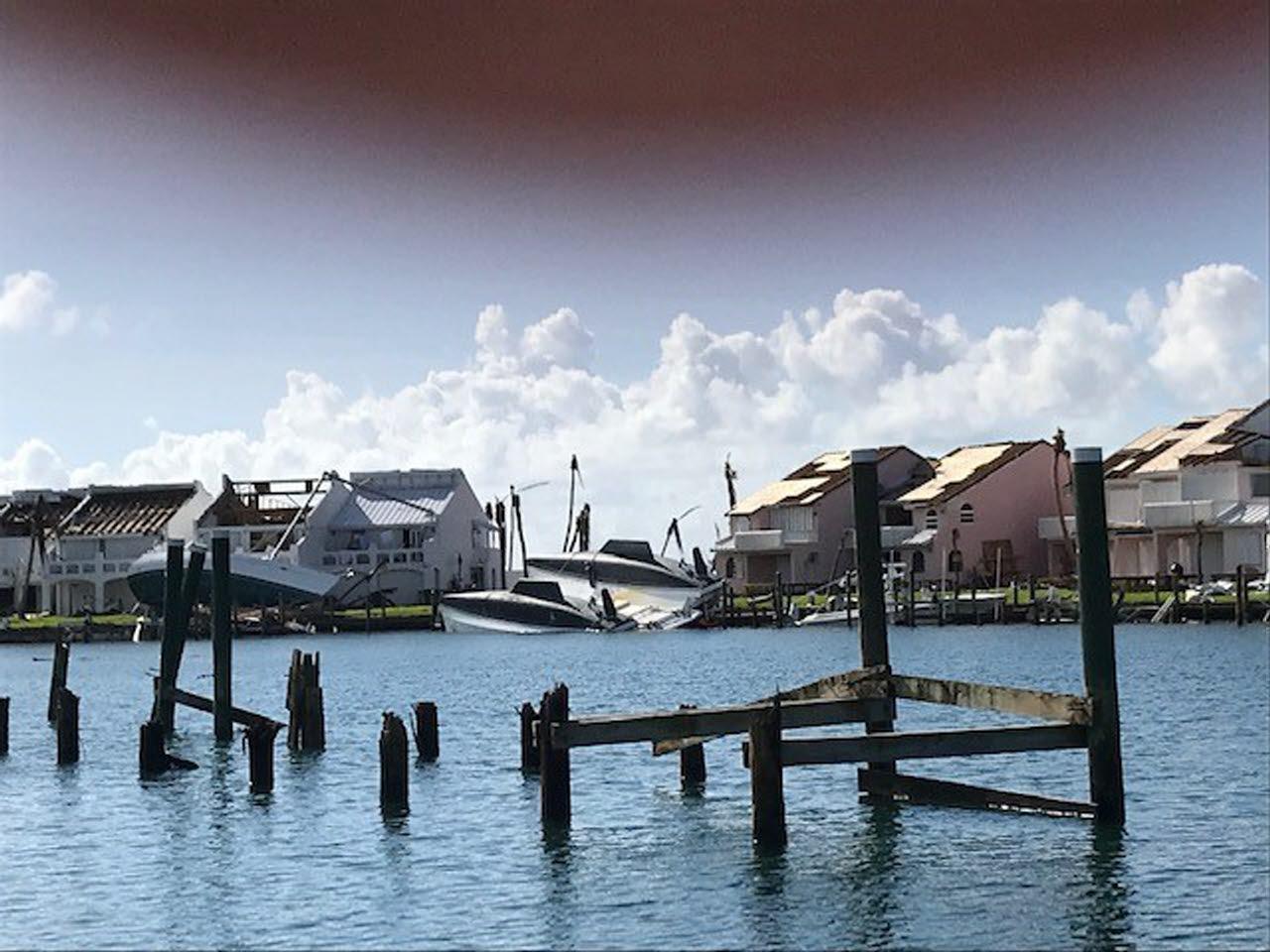 boat into houses bahamas