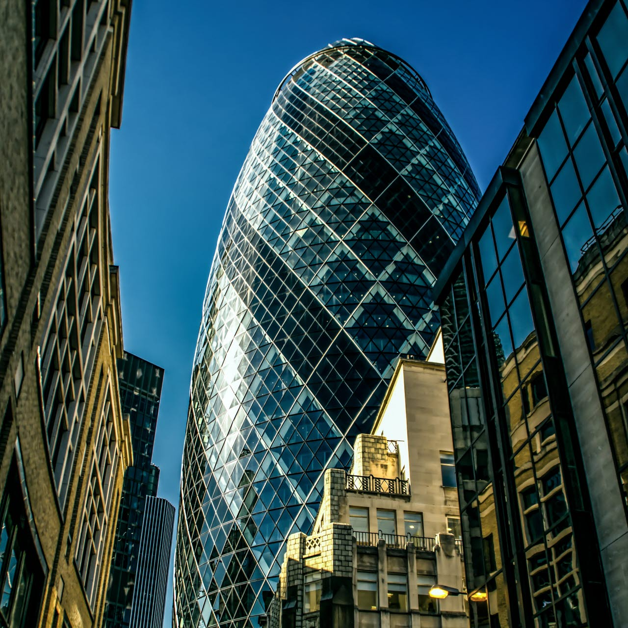 gherkin-london-city-pexels