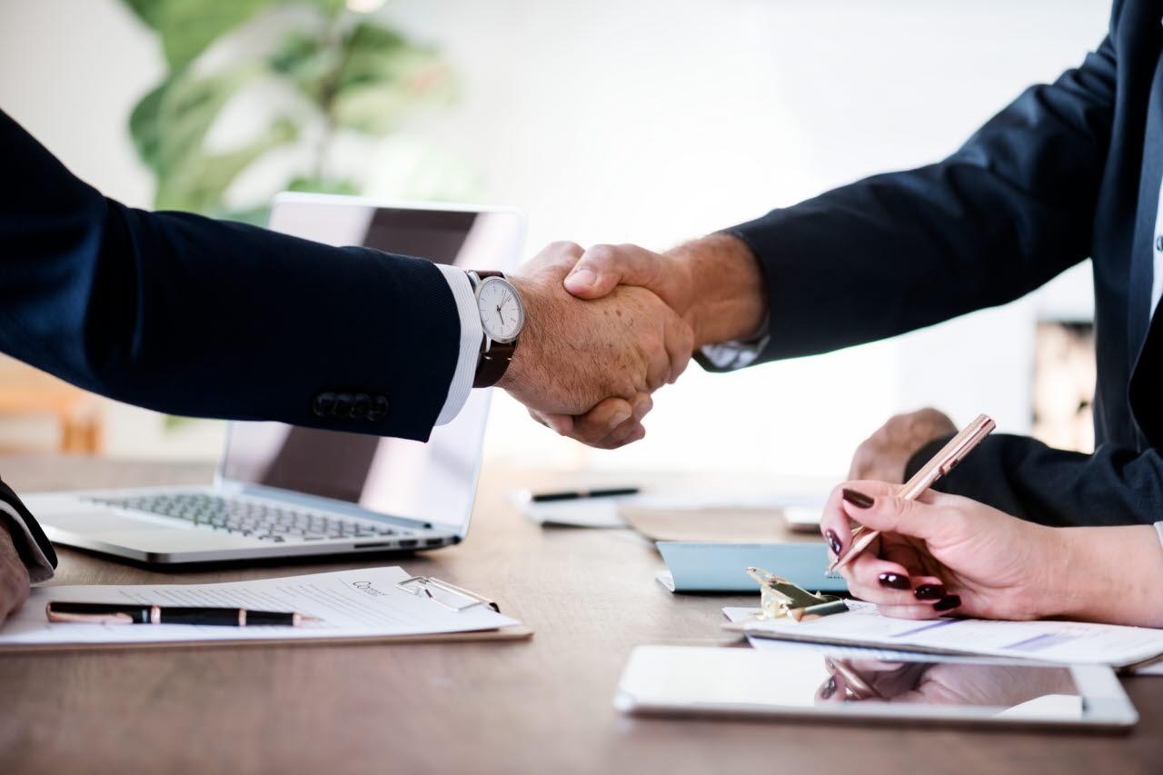 Handshake-business-pexels