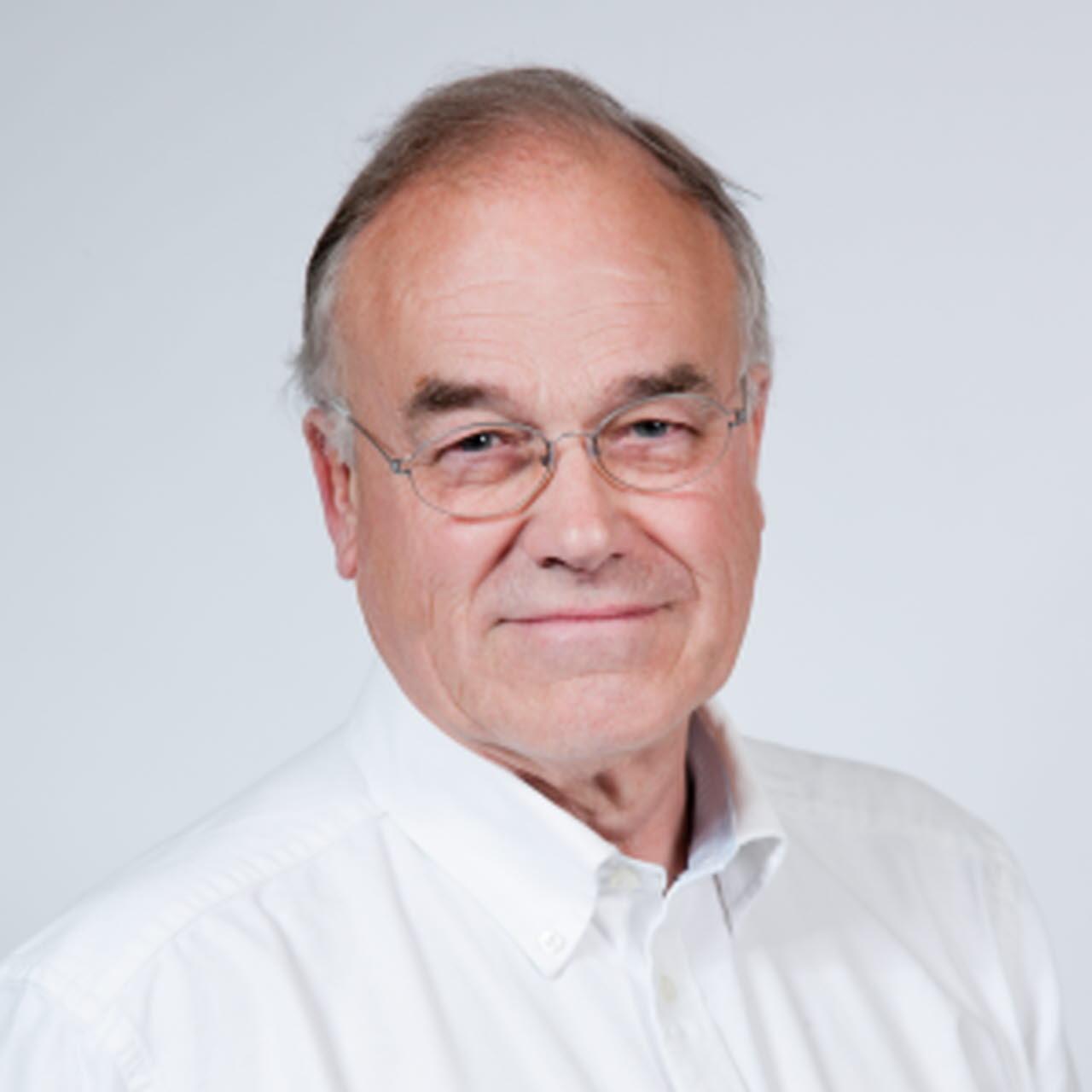Mr Michael Morrison