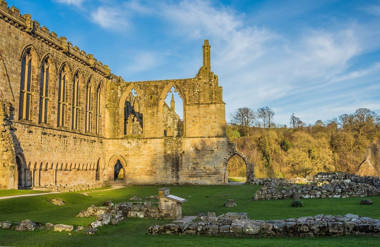 Bolton-abbey-Yorkshire-Pexels
